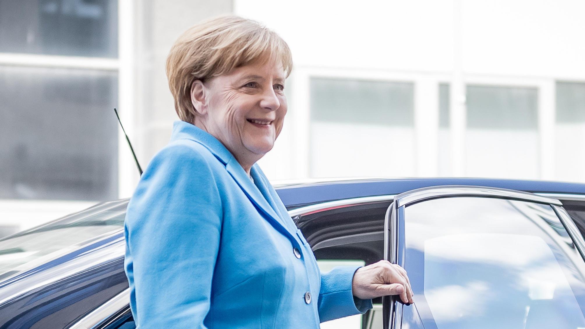 Bundeskanzlerin Angela Merkel Im Sommerinterview Zur Asylpolitik