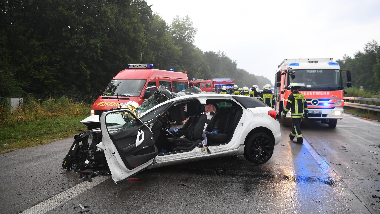 Autounfall auf A81: Vier Tote und mehrere Verletzte