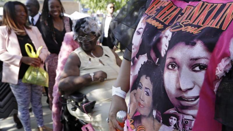 Prominente nehmen Abschied von Aretha Franklin