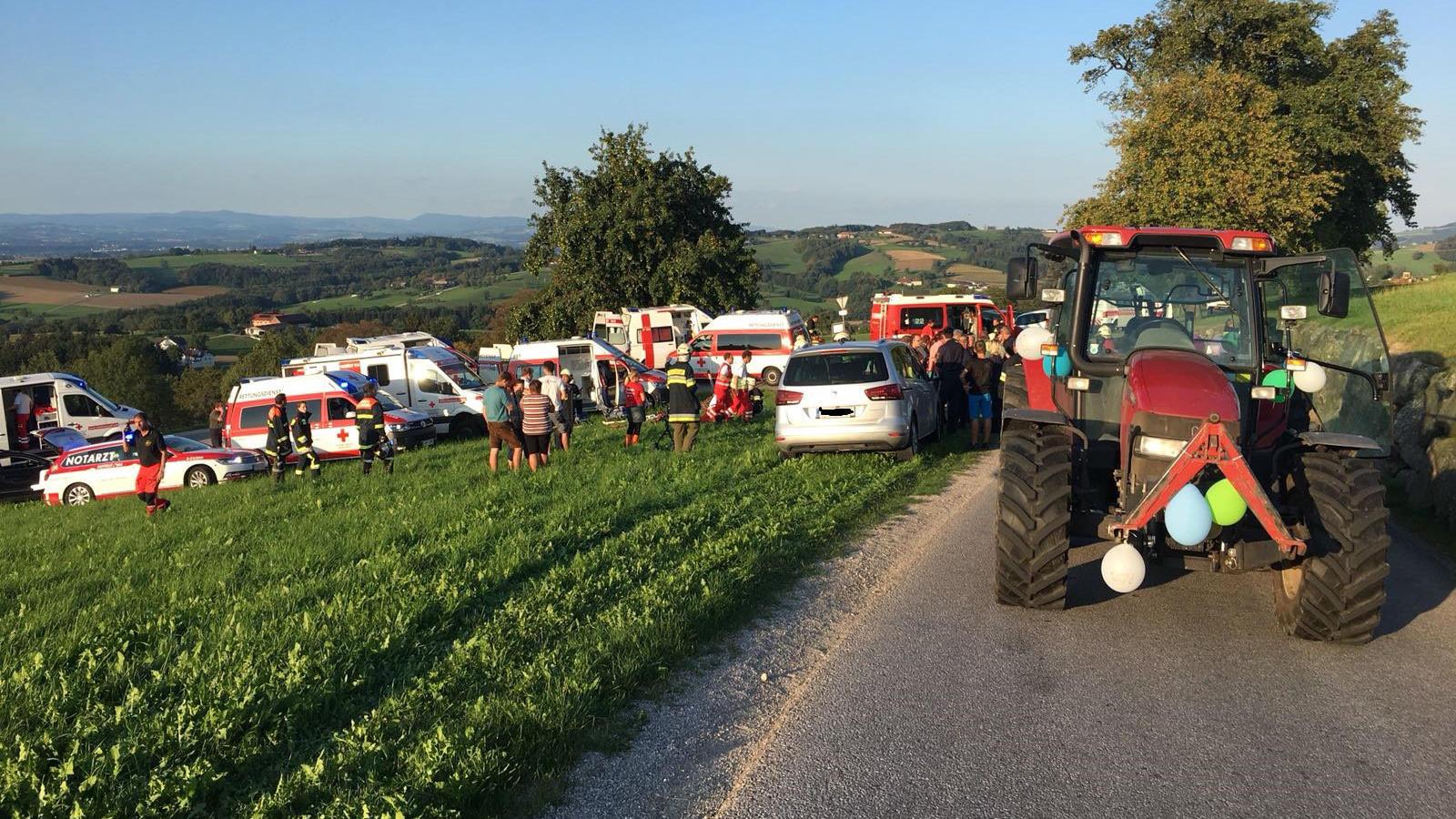 Traktor zu schnell?: Tragischer Unfall bei Junggesellinnenabschied in Österreich: Braut tot