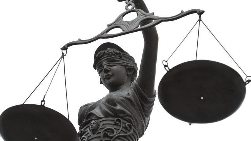 NRW: Bücher nicht verlängert: Professorin klagt gegen Gebühren