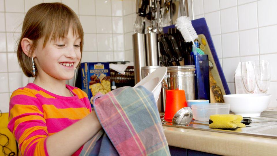Rechte und Pflichten von Kindern: Helfen im Haushalt ist Gesetz!