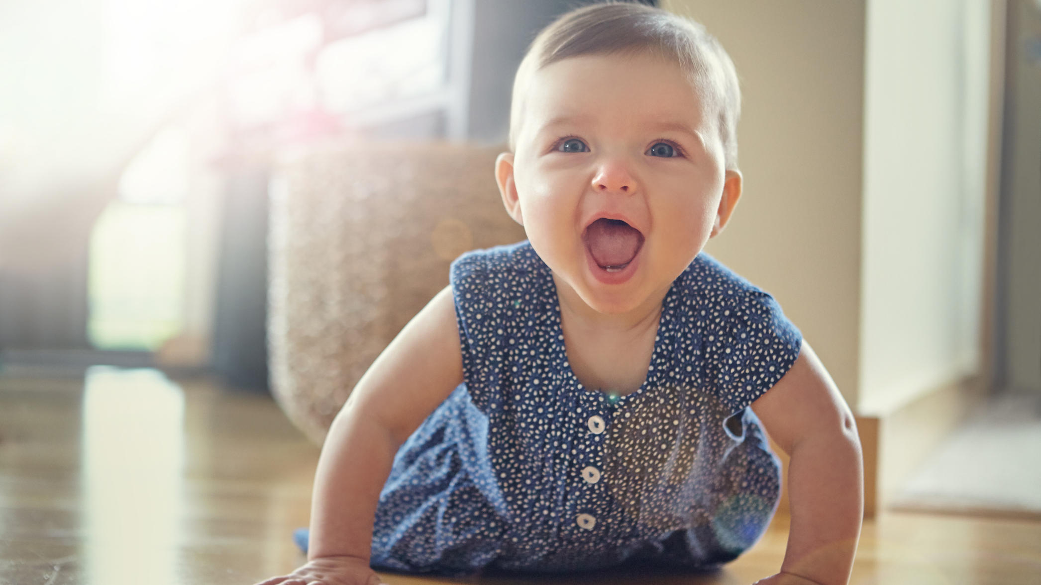 so motivieren sie ihr baby krabbeln und laufen zu lernen. Black Bedroom Furniture Sets. Home Design Ideas