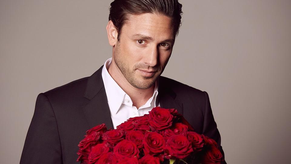 Der Bachelor Daniel Völz hat die Qual der Wahl Zu welchen romantischen Begegnungen wird es kommen? Welchen Damen gelingt es die Konkurrenz auszustechen und den Bachelor um den Finger zu wickeln