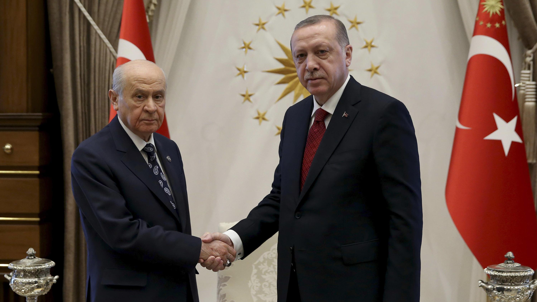 Vorgezogen: Erdogan kündigt Türkei-Wahlen für Juni an