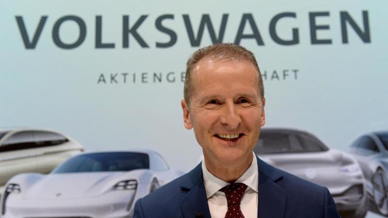 Auto: VW-Konzernchef Diess legt Rechenschaft vor Aktionären ab