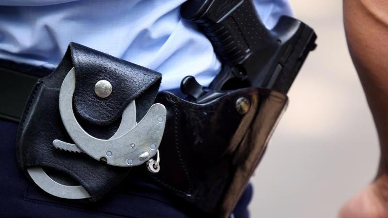 Zehn Koffer Diebesgut - Polizei stoppt Mann