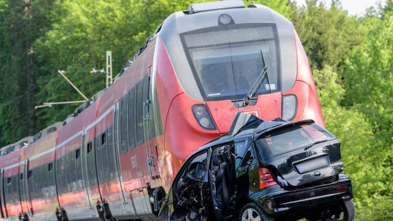 Zwei Tote bei Bahnunfall