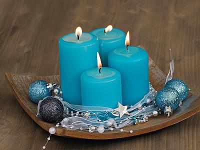 adventskranz dekorieren sch ne ideen f r die adventszeit. Black Bedroom Furniture Sets. Home Design Ideas