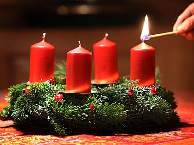 Adventskranz Deko adventskranz dekorieren schöne ideen für die adventszeit