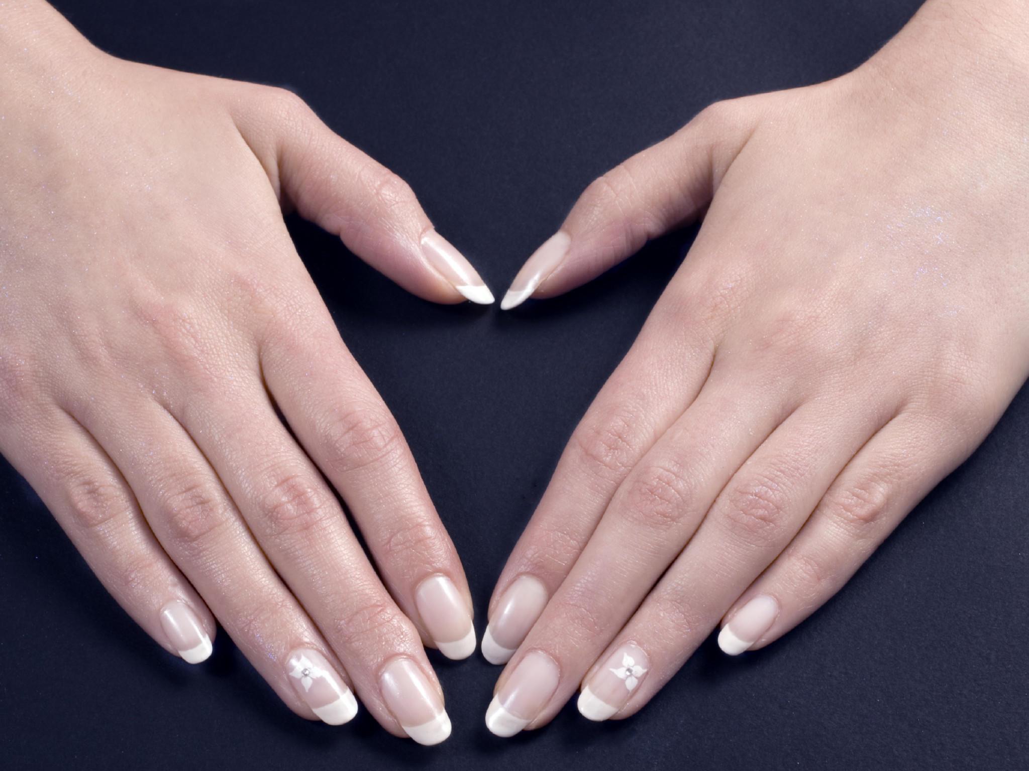 Was die Form Ihrer Fingernägel über Sie verrät