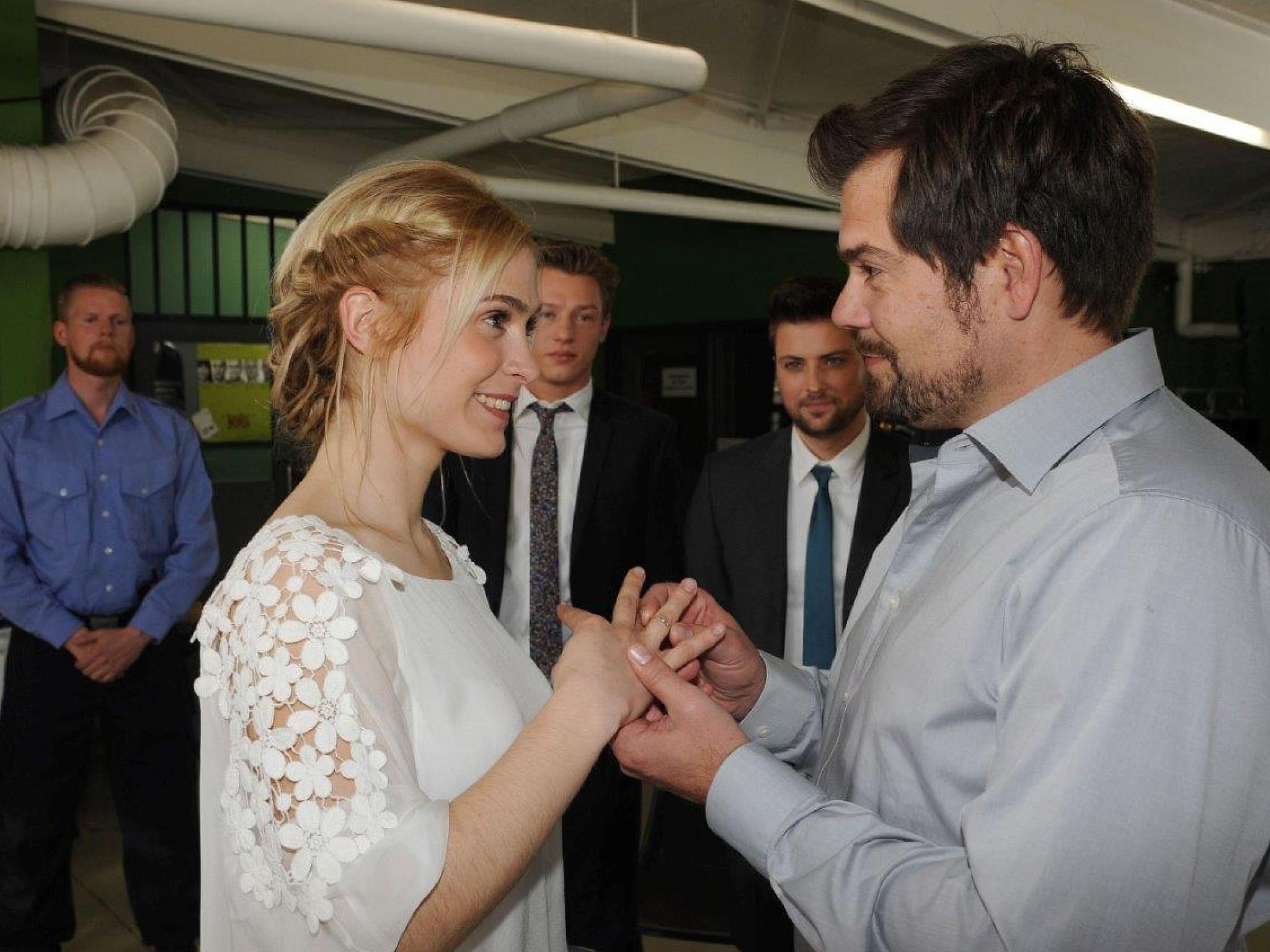 """25 Jahre GZSZ Die romantischsten Hochzeiten aus """"Gute Zeiten"""
