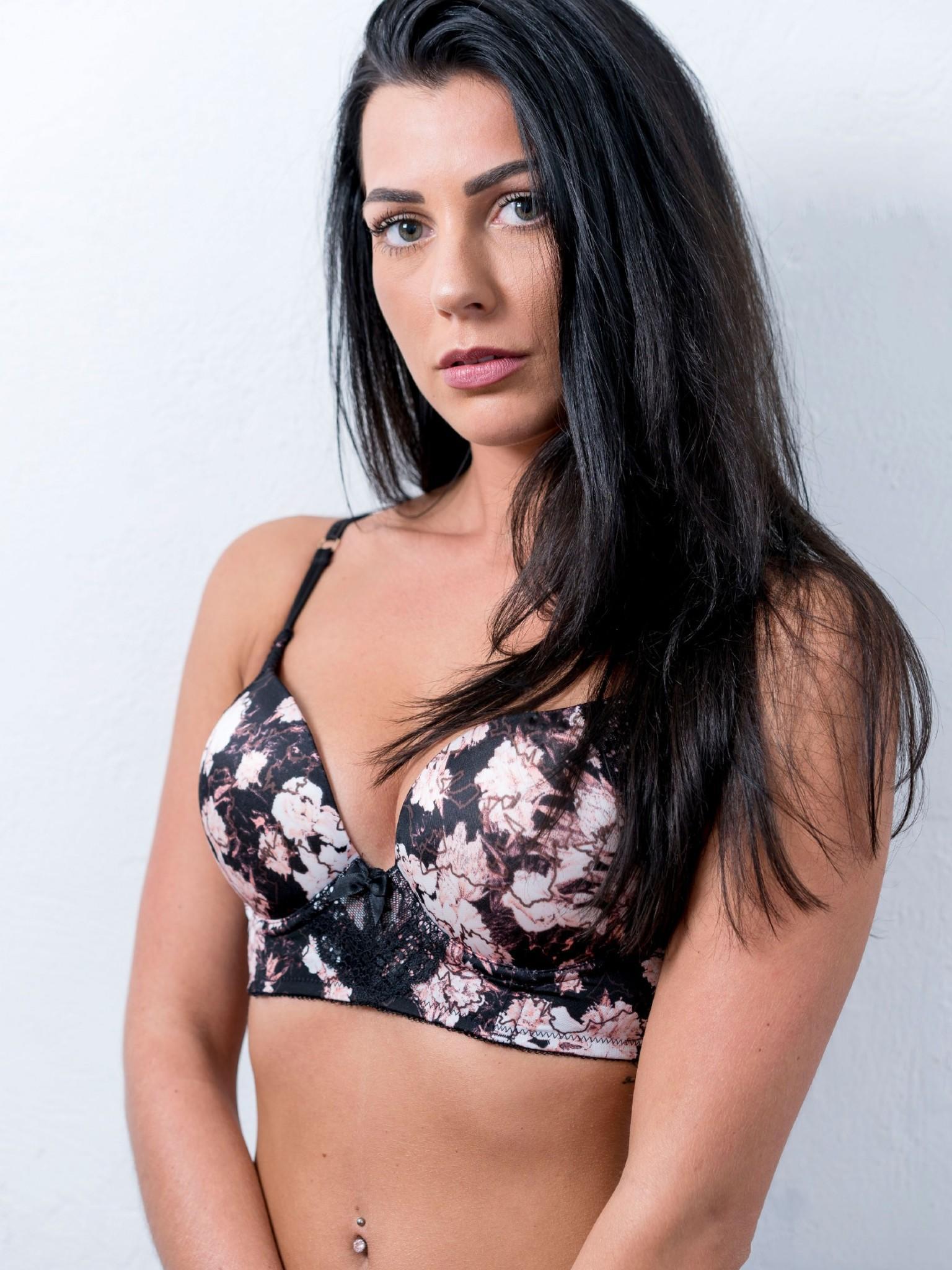Sylvie Dessous Models