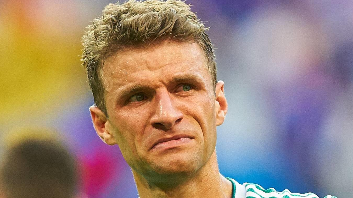 Germany - South Korea, Soccer, Kazan, June 27, 2018 Thomas MUELLER, DFB 13 sad, disappointed, angry, Emotions, disappointment, frustration, frustrated, sadness, desperate, despair, tears, GERMANY - KOREA REPUBLIC FIFA World Cup WM Weltmeisterschaft F