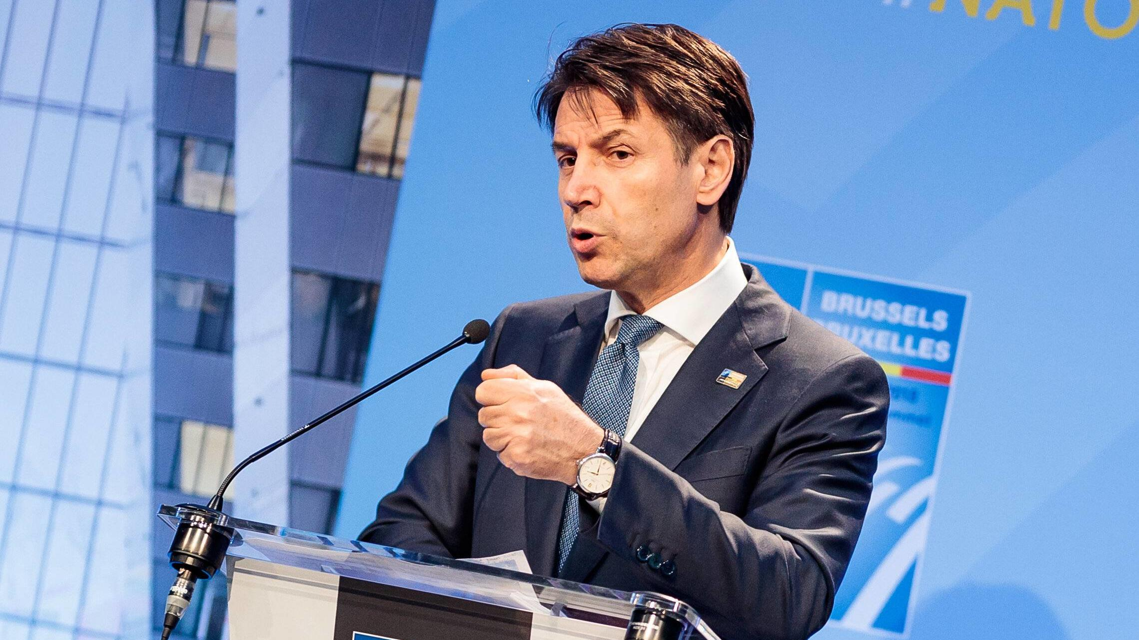 Bruessel 12.07.2017, Bruessel, BEL, NATO Gipfel 2018, Pressekonferenz Italien, im Bild Giuseppe Conte (Premierminister Italien) // Prime Minister of Italy Giuseppe Conte during press conference of Italy at the 2018 NATO Summit. Brussels, Belgium 2018