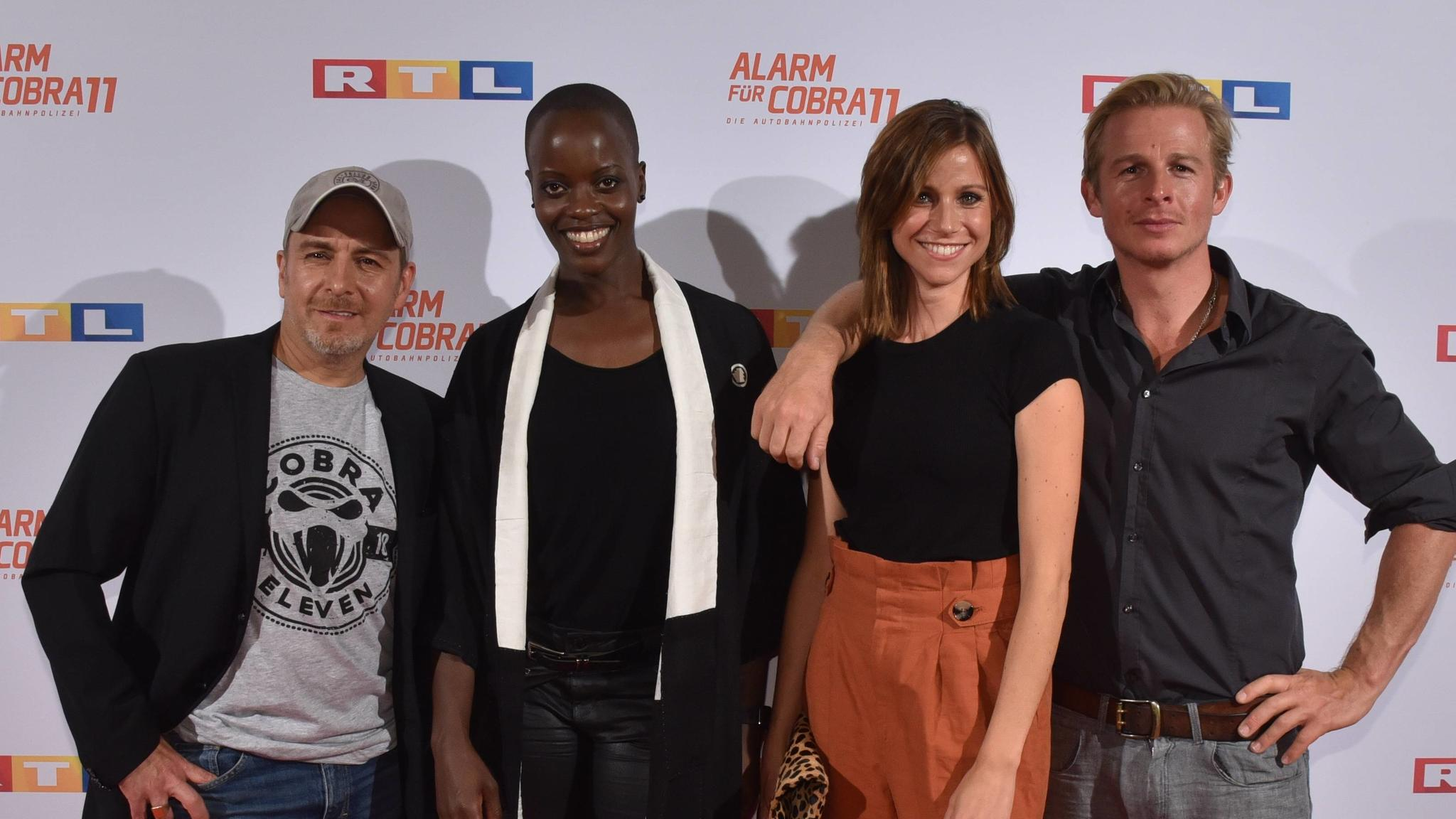 Schauspieler Erdogan Atalay, l-r, Florence Kasumba, Katrin Hess und Daniel Roesner kommt am 11.09.2018 in Köln zum exklusiven Fan Preview der Auftakt der neuen Staffel der RTL Actionserie Alarm für Cobra 11 *** Actor Erdogan Atalay for Florence Kasum