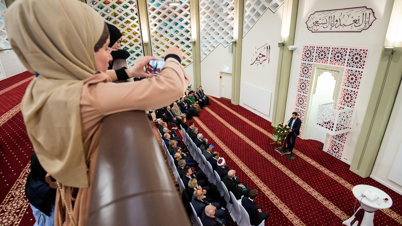 Hamburg: Neue Moschee in ehemaliger Kapernaum-Kirche eröffnet