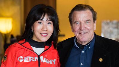 Gerhard Schroder Und So Yeon Kim Haben Geheiratet