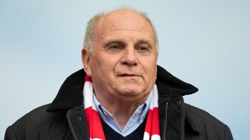Bild Bayern Präsident Uli Hoeneß Spricht Von Rückzug