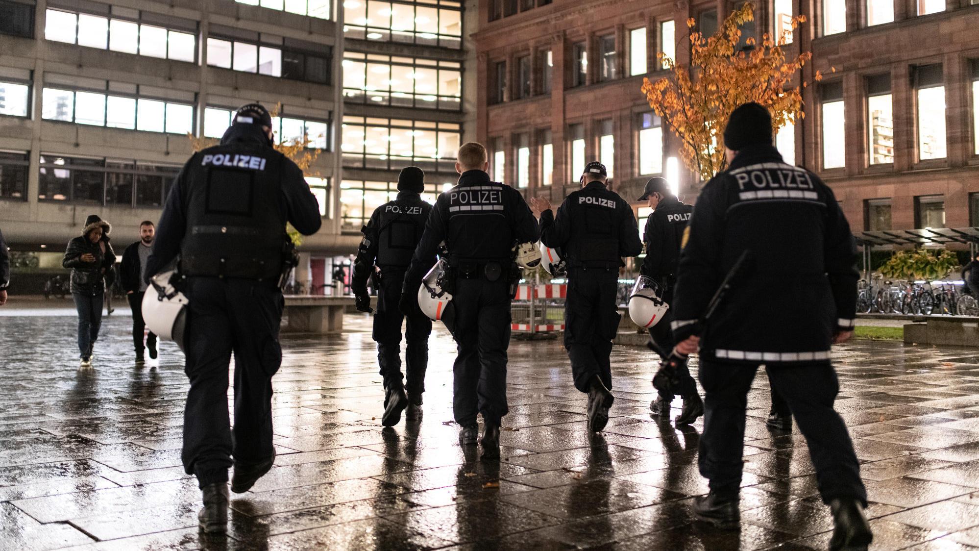 Nach Gruppenvergewaltigung In Freiburg Polizei Nimmt Weiteren