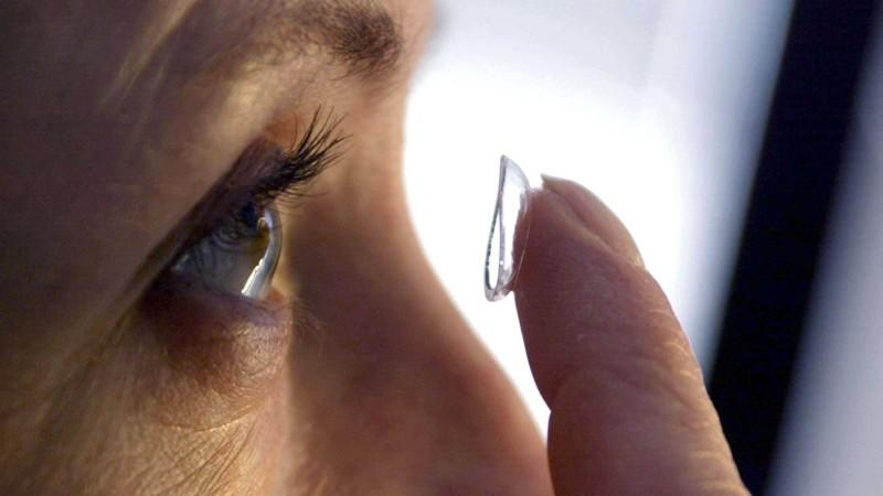 kontrolle augenarzt kontaktlinsen
