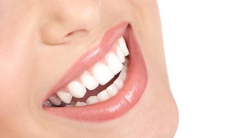 zähne weißer machen hausmittel