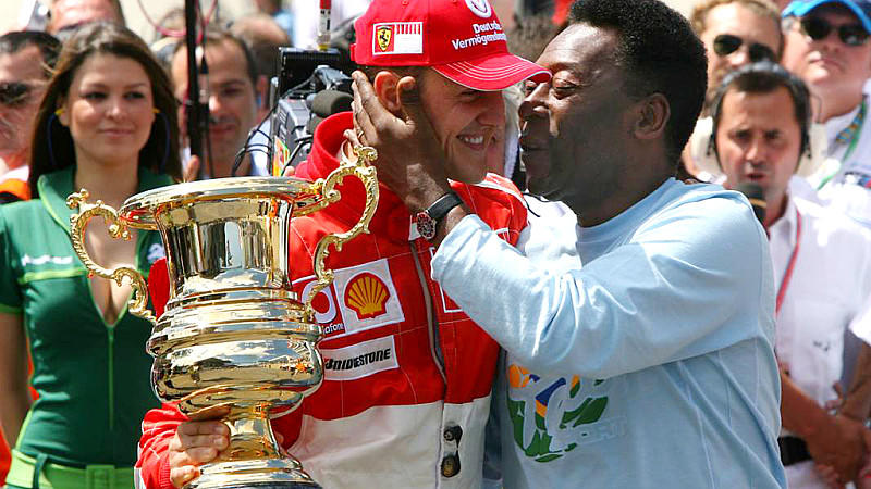 22.10.2006 Sao Paulo, Brazil, Michael Schumacher (GER), Scuderia Ferrari and PELE during the GRID - Formula 1 World Championship, Rd 18, Brazilian Grand Prix, Sunday Pre-Race Grid - www.xpb.cc, EMail: info@xpb.cc - copy of publication required for pr