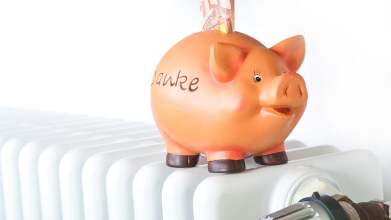 Die Vorlaufzeitlänge, der Zinssatz, der Forward-Aufschlag und die Laufzeit und der Beginn der Sollzinsbindung stellen die Faktoren dar, die bei einem Vergleich von Forward-Darlehen berücksichtigt werden sollten. Sowohl durch Beratung als auch nur den Rechner von Interhyp können Sie einen Vergleich vornehmen.