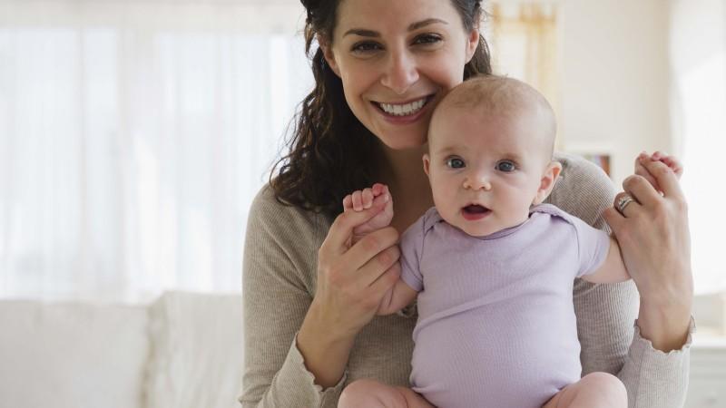 erstausstattung f r ihr baby nach der geburt. Black Bedroom Furniture Sets. Home Design Ideas