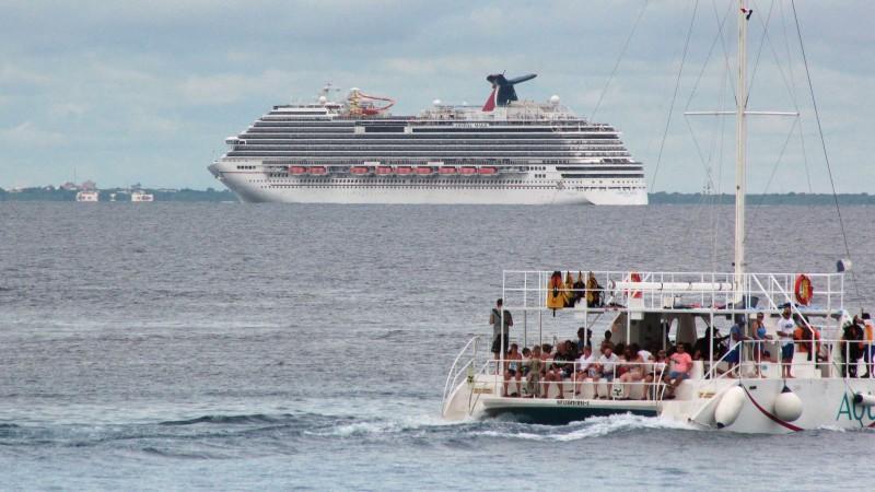 Kreuzfahrtschiff wegen Angst vor Ebola auf Irrfahrt durch Karibik