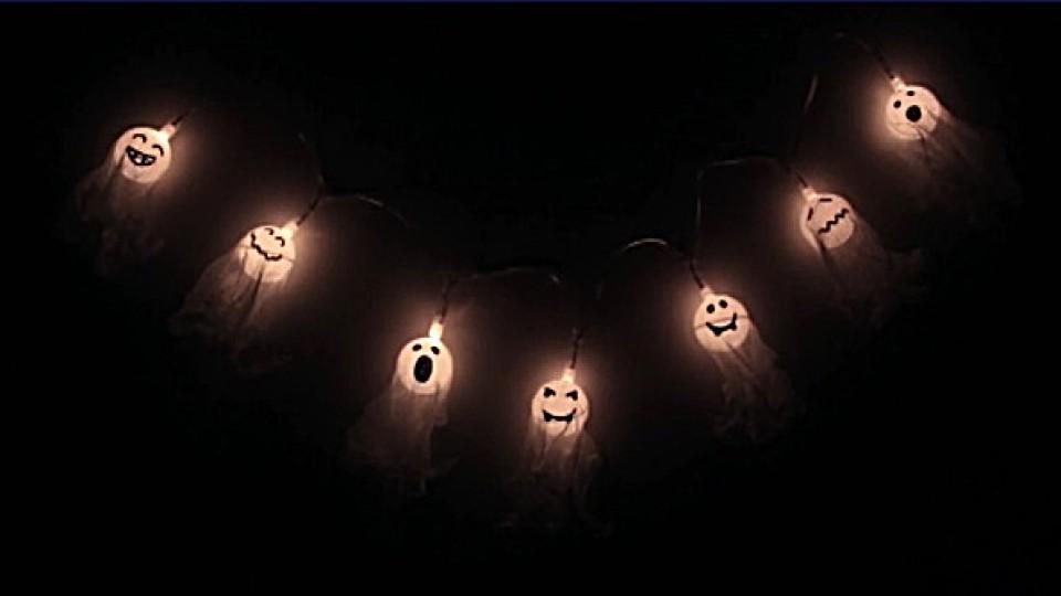 halloween deko selber machen anleitung f r eine tolle geistergirlande. Black Bedroom Furniture Sets. Home Design Ideas