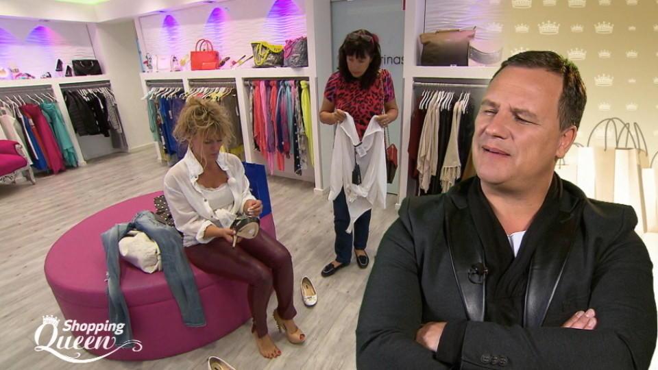 Shopping Queen Alex Ist Auf Der Suche Nach Schuhen