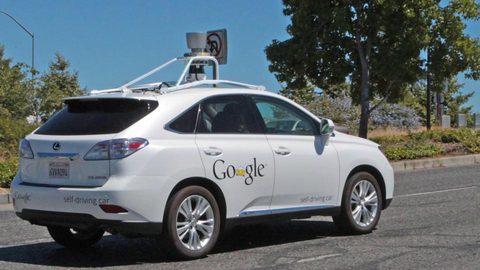 Google-Auto crasht in Bus - erster Unfall durch Software-Fehler