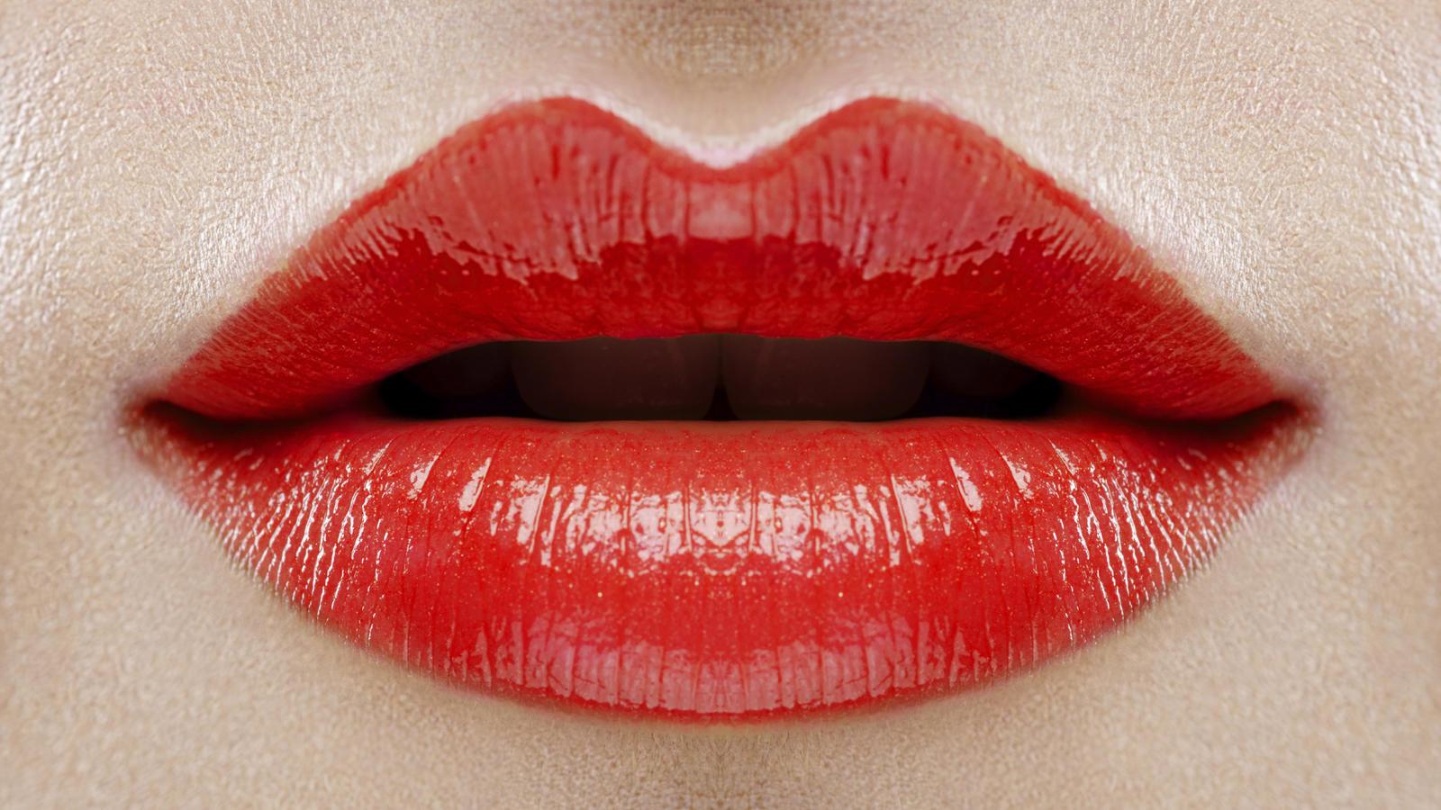 lippenstift auftragen leicht gemacht beauty hack zum nachschminken. Black Bedroom Furniture Sets. Home Design Ideas
