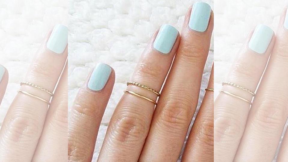 wei er nagellack mit einem hauch von farbe sanfter trend f r die n gel. Black Bedroom Furniture Sets. Home Design Ideas