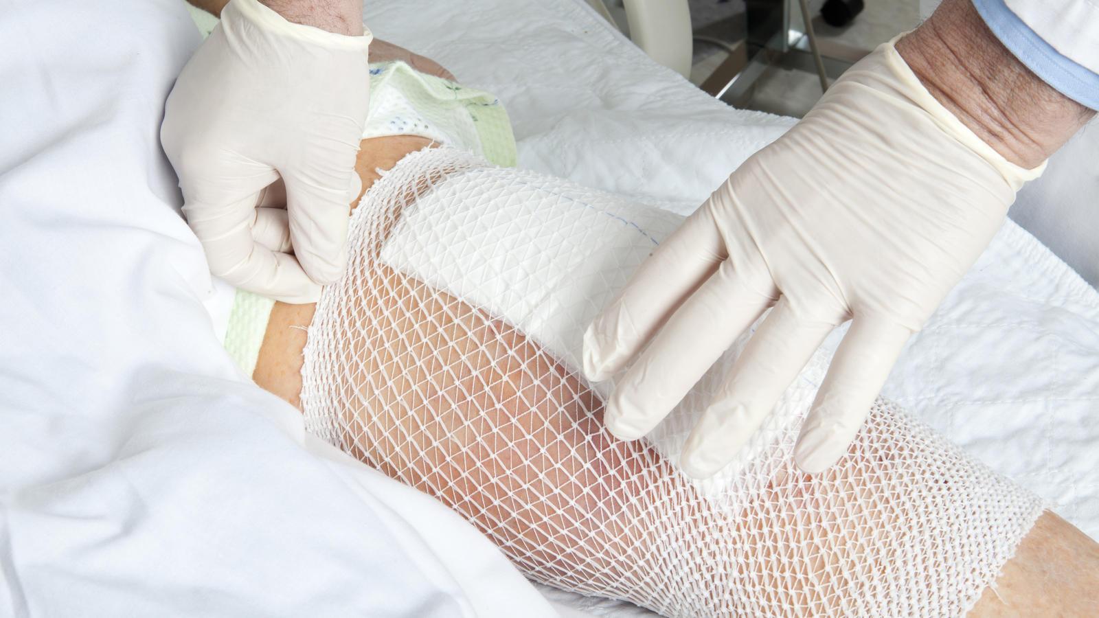 Kuriose Suche: 16-Jähriger verliert ein Stück seines Kniegelenks im ...