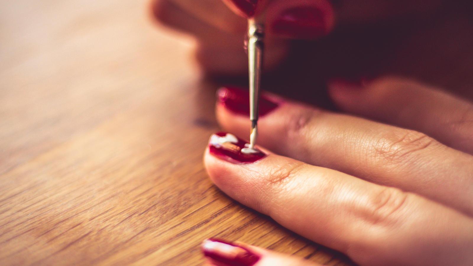 Der Wachmacher für die Nägel – Nagellack mit Koffein