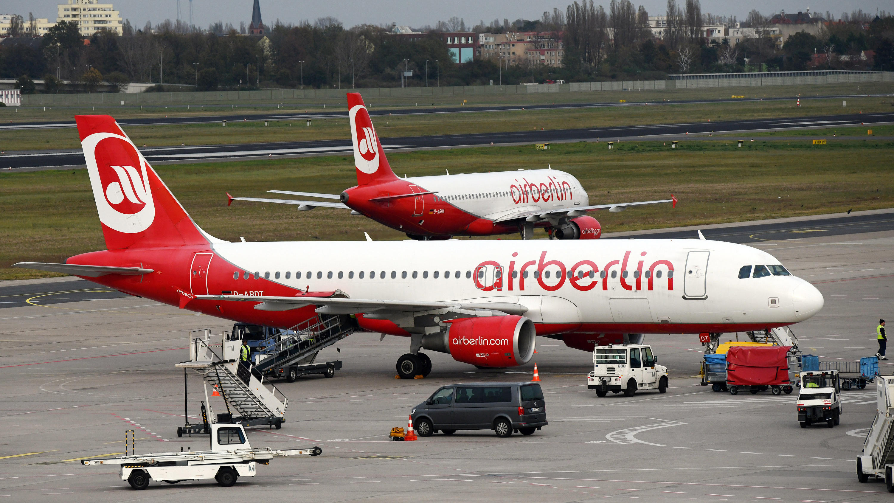 keine gro e auffanggesellschaft was passiert jetzt mit den air berlin mitarbeitern. Black Bedroom Furniture Sets. Home Design Ideas