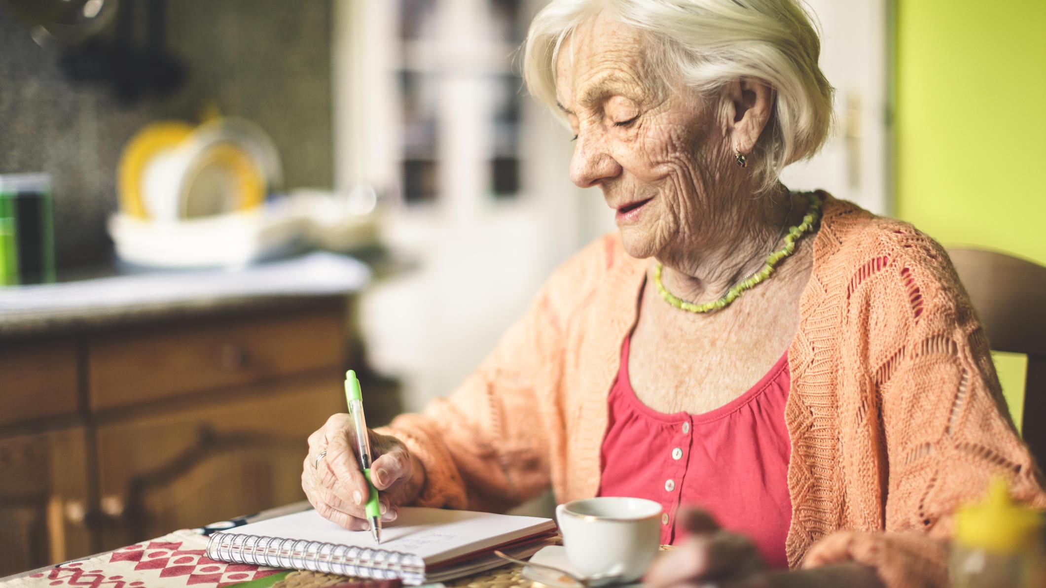 Armut im Alter: Wenn Oma sich die Weihnachtsgeschenke für die Enkel ...