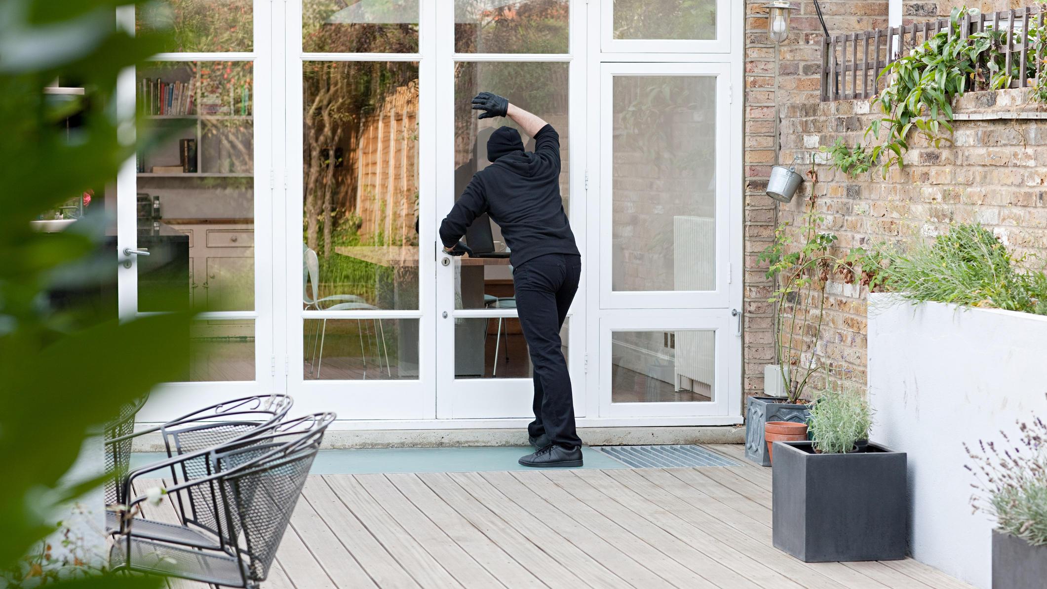 einbruchsschutz muss nicht teuer sein diese tipps helfen gegen einbrecher. Black Bedroom Furniture Sets. Home Design Ideas
