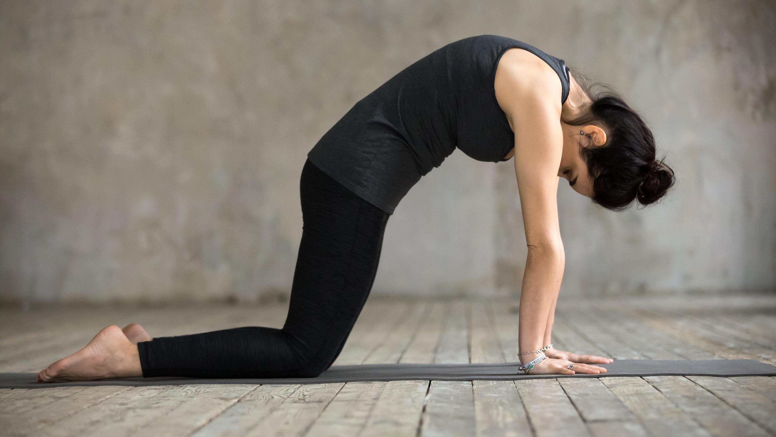 Yoga bei Rückenschmerzen: Drei Übungen für einen starken..