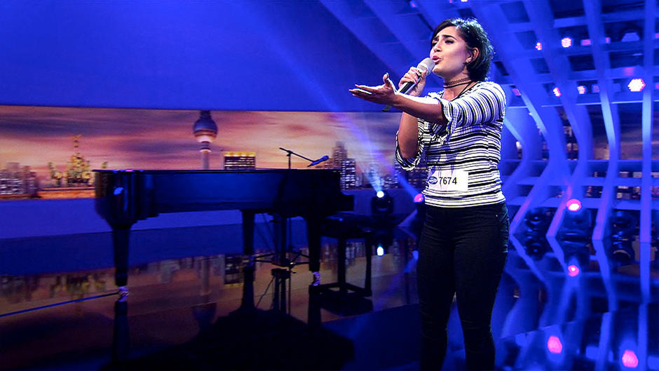 "Duygu Goenel glänzt mit ""I Will Always Love You"""