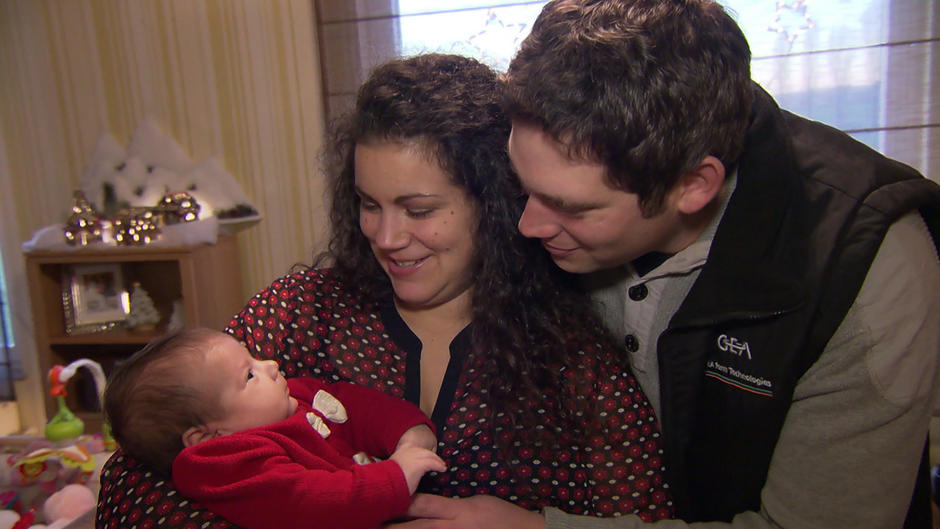 Bauer sucht Frau: So feiern Guy und Victoria mit Baby Charlotte ...