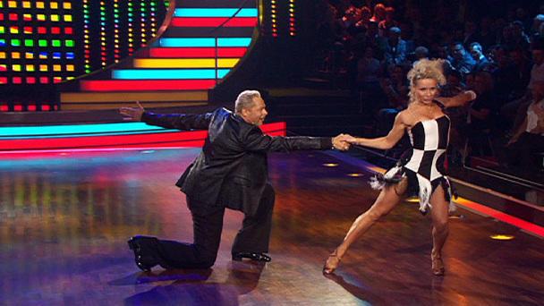 Let S Dance Show 1 Uwe Helena Legen Einen Cha Cha Cha Hin Rtl De