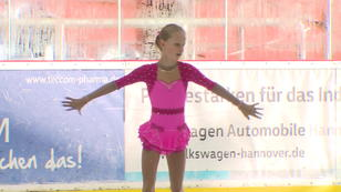 "Alena darf zu ""Holidays on Ice"""