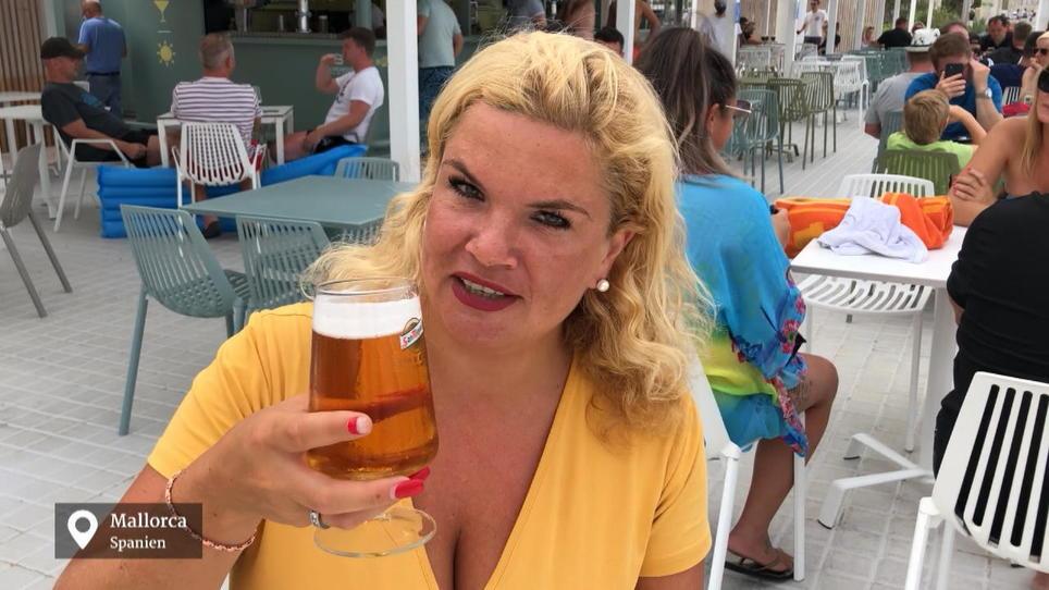 Rtl Reporterin Eva Rullmann Auf Mallorca Das Erste Bier Am Ballermann 6 Rtl De