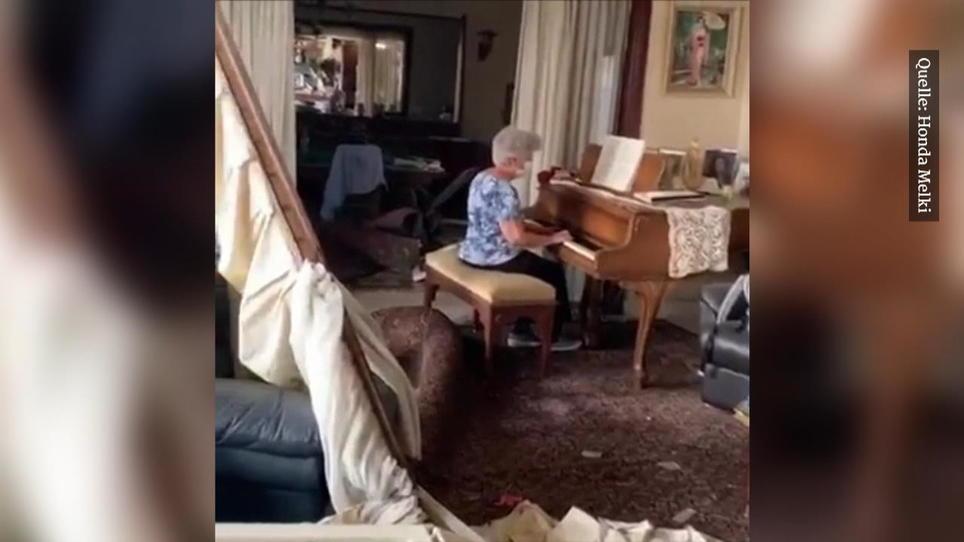 Beiruterin spielt Klavier in ihrer zerstörten Wohnung